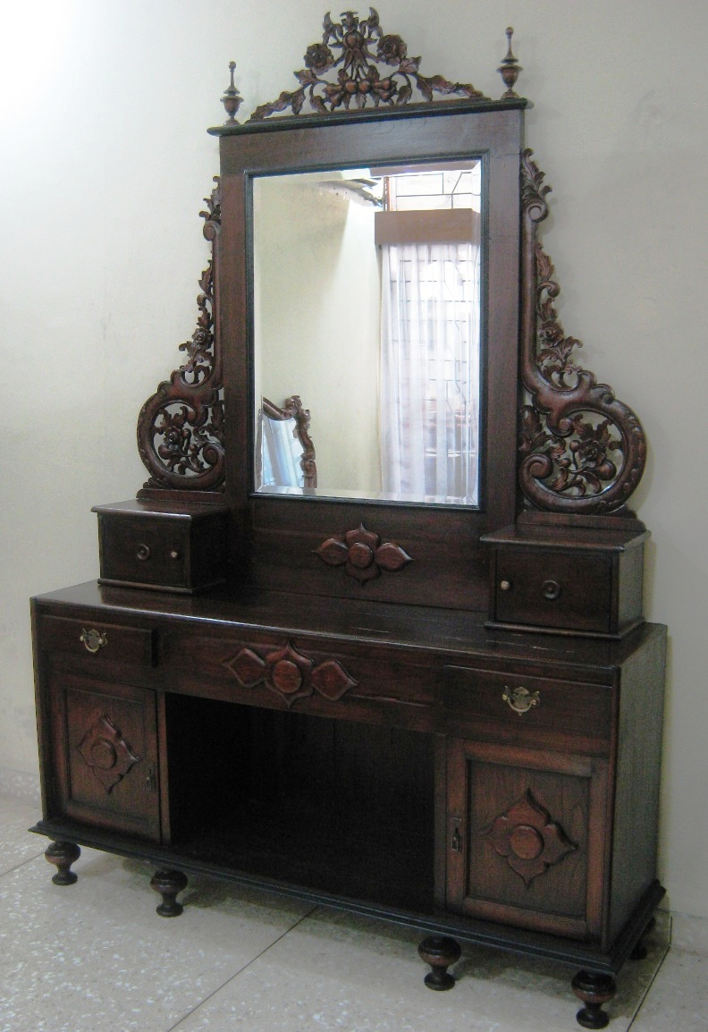 Region ... - Antique Furniture Sulia's Gallery